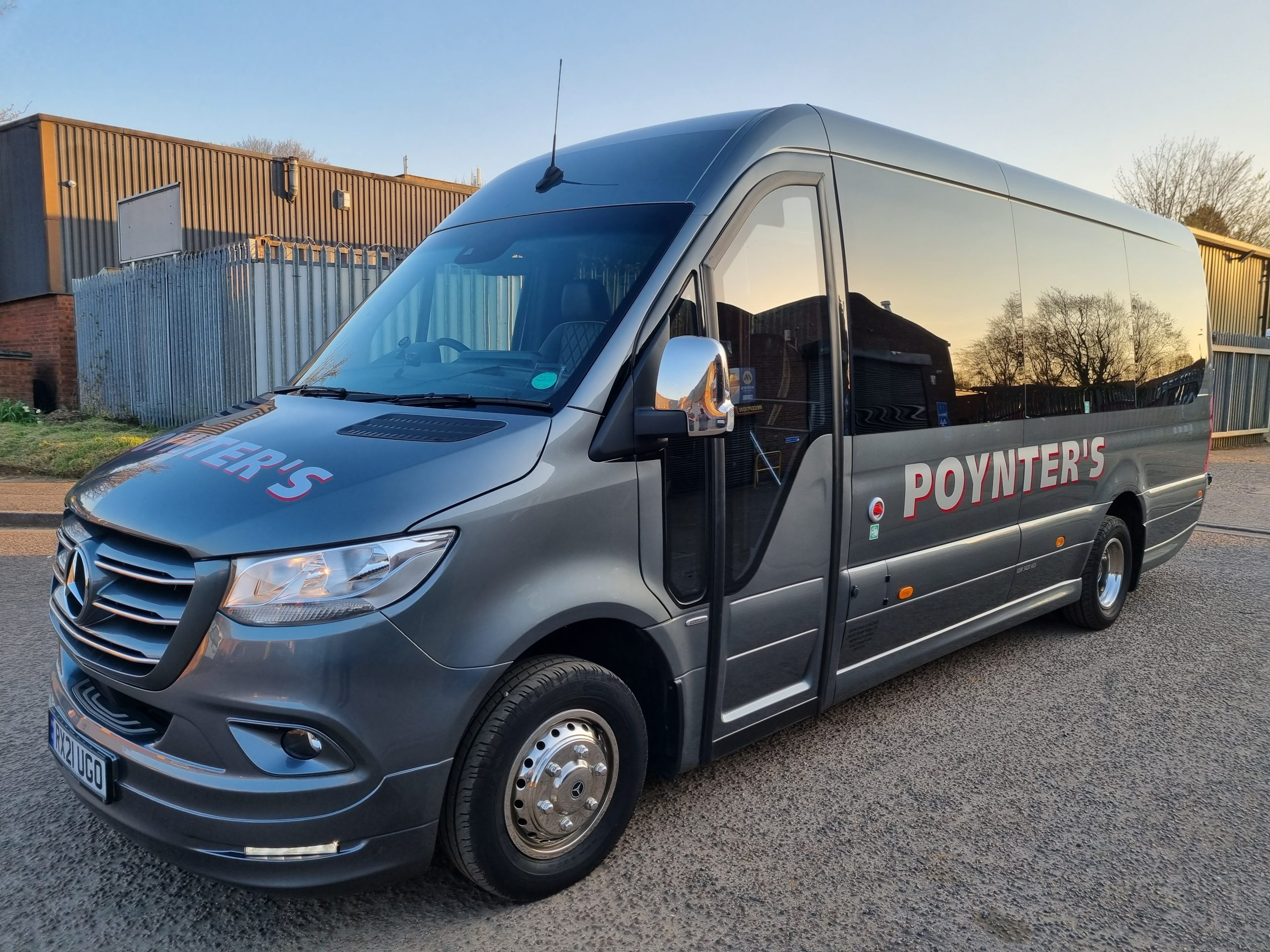 16 Seater 02